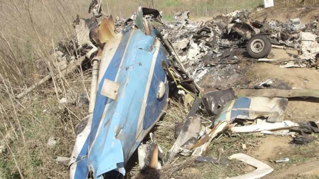 Completamente destruído: Assim ficou o helicóptero onde seguia Kobe