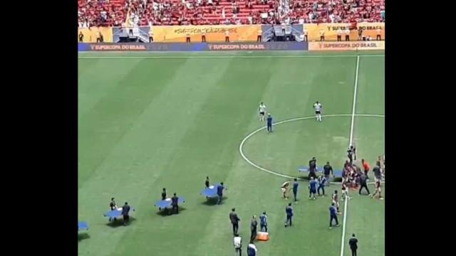 Flamengo conquistou a Supertaça, mas o Brasil só fala da atitude de Jesus