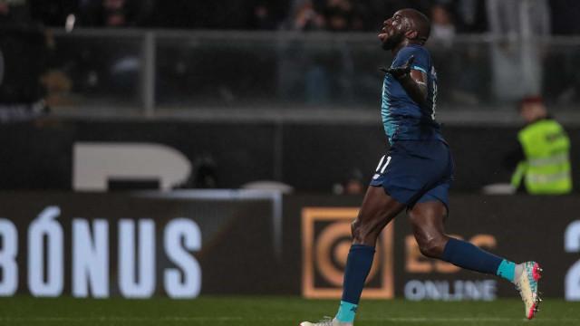 Marega abandona o relvado do Vitória SC por culpa de cânticos racistas