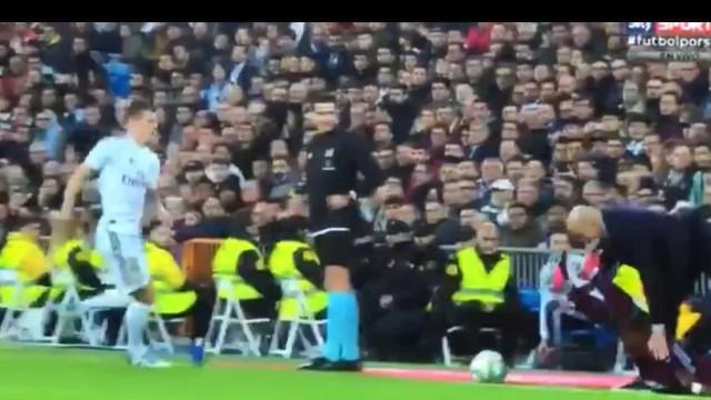 Imagens virais: Zidane recebeu um pontapé na cara de um central do Celta