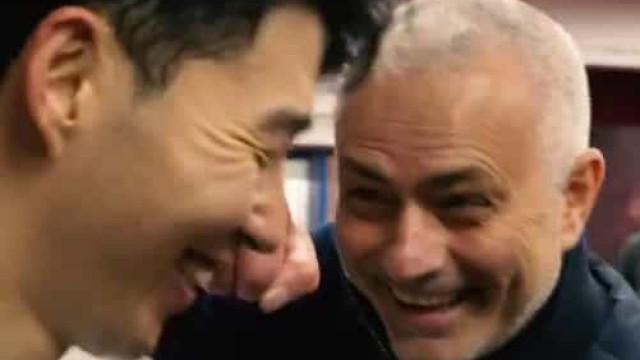 Mourinho interrompe entrevista de Son num momento de boa disposição