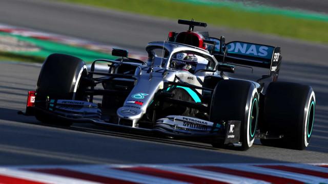 F1: Mercedes liderou primeiro dia de testes. Ferrari a esconder o jogo?