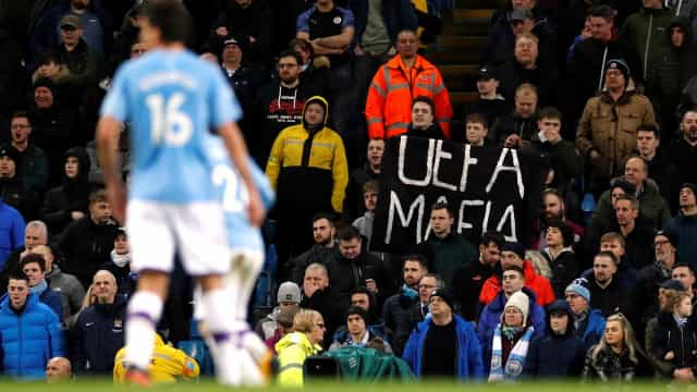 "Adeptos do Man. City protestam contra a UEFA: ""Máfia"""