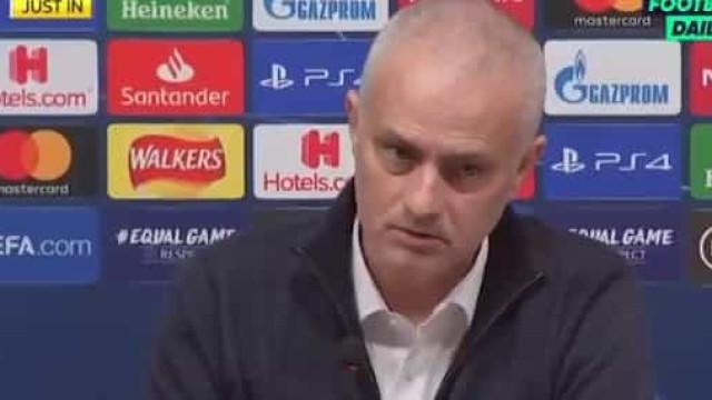 """Mourinho comenta fúria de Dele Alli: """"Ele sabe por que o substituí"""""""