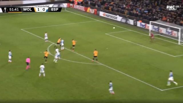 O golaço de Rúben Neves na Liga Europa que vai correr o mundo