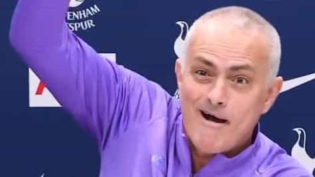 Conferência de imprensa foi interrompida e Mourinho reagiu assim