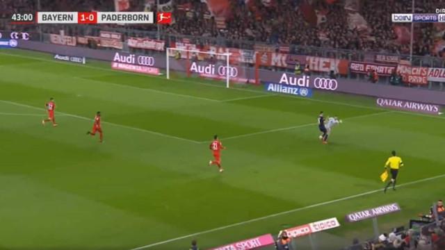 Erro monumental de Neuer na origem do golo de Paderborn