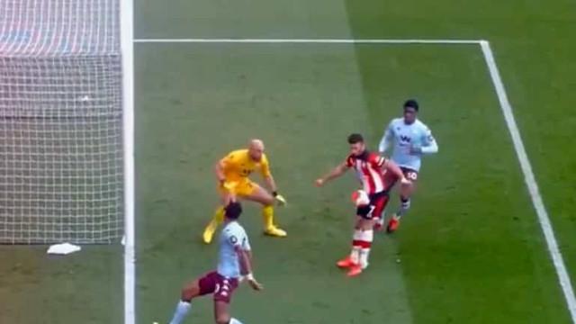 No Southampton-Aston Villa houve um golo marcado... com as partes íntimas