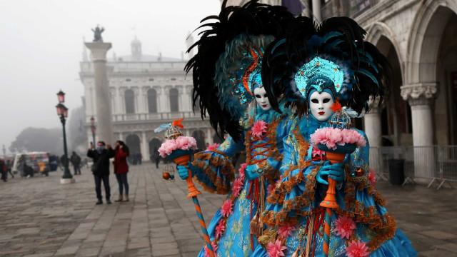 A folia do Carnaval um pouco por todo o mundo
