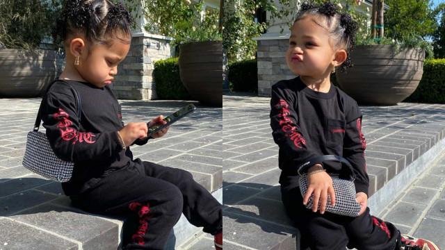 Com 2 anos, filha de Kylie Jenner posa para fotos e mostra veia de diva