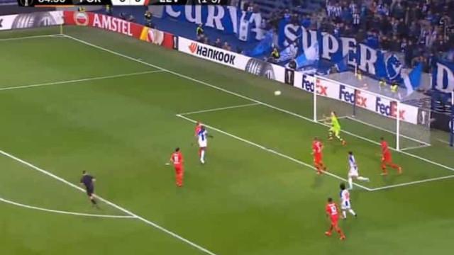 Cabeceamento de Marega devolveu (pequena) esperança ao FC Porto