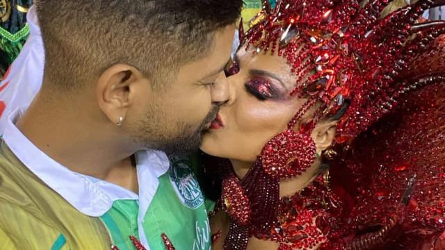 """Viviane Araújo vive o """"melhor Carnaval da sua vida"""" ao lado do namorado"""