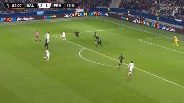 André Silva bisa na Liga Europa com golo repleto de classe