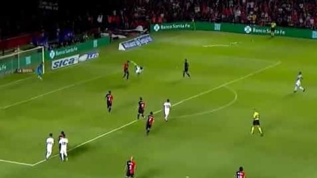 Colega de ex-Benfica Salvio marca golaço contra o Colón