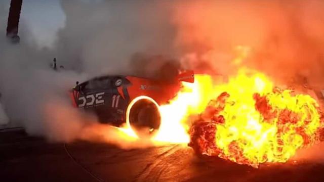 E assim se deixa o motor de um Lamborghini Huracán em chamas