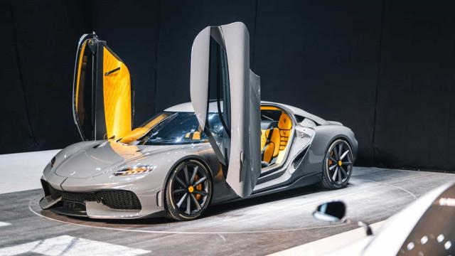 Koenigsegg Gemera: Híbrido, funcional e 1700 cv de potência