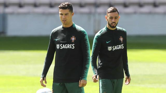 """O conselho de CR7 a Bruno Fernandes: """"Treina mas é o braço"""""""