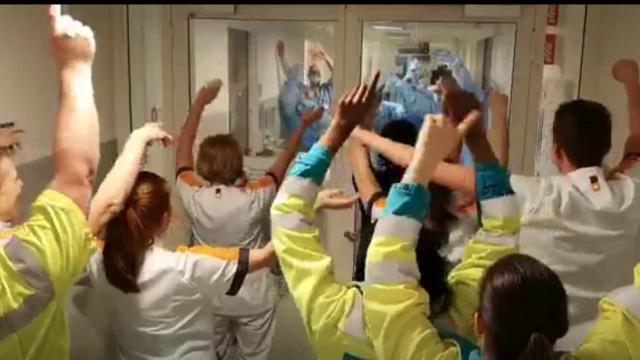 Momento arrepiante num hospital inglês deixou Klopp lavado em lágrimas