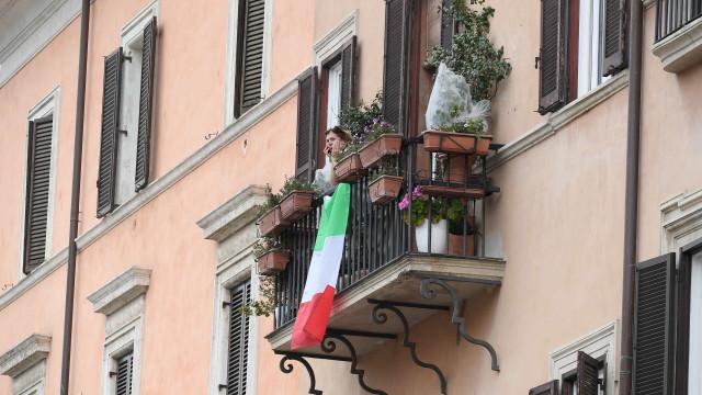 Número de mortos em Itália ultrapassou a cifra dos 17 mil