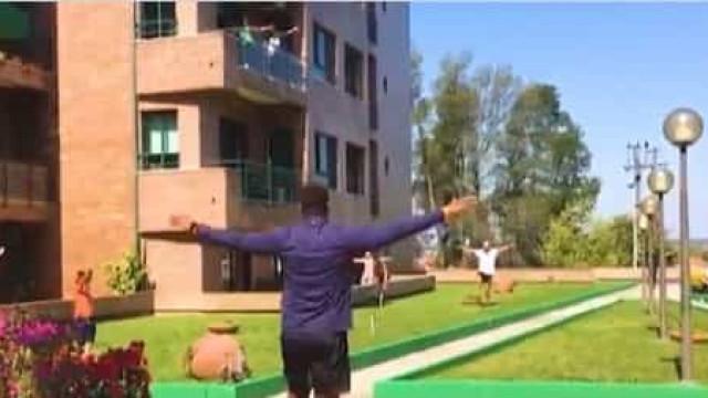 Jogador de andebol do FC Porto deu aula de fitness aos vizinhos