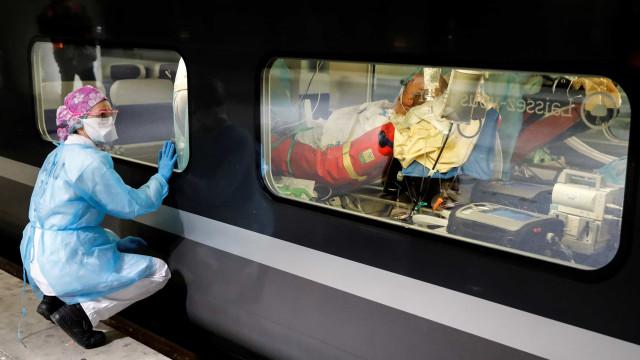Partiu de Paris o primeiro TGV com doentes de Covid-19