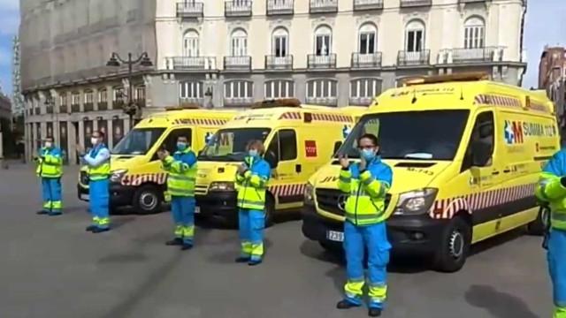 Covid-19: Morreu o 1.º médico em Madrid. Colegas fazem sentida homenagem