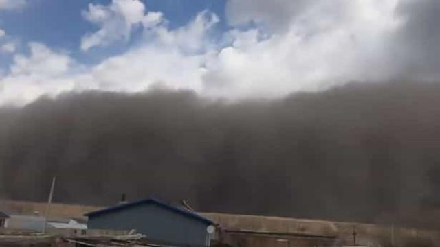 Cidade chinesa de Baicheng foi 'engolida' por tempestade de areia