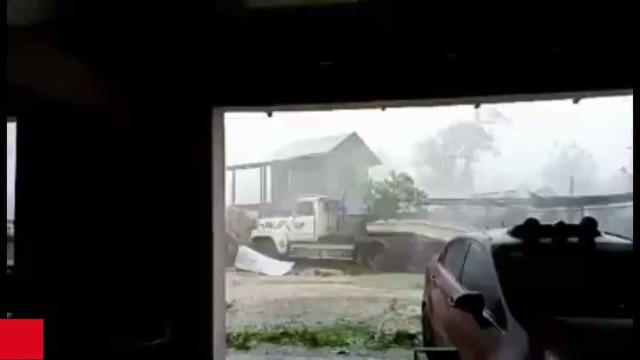 Vanuatu 'varrido' por ciclone com ventos de mais de 200km/h