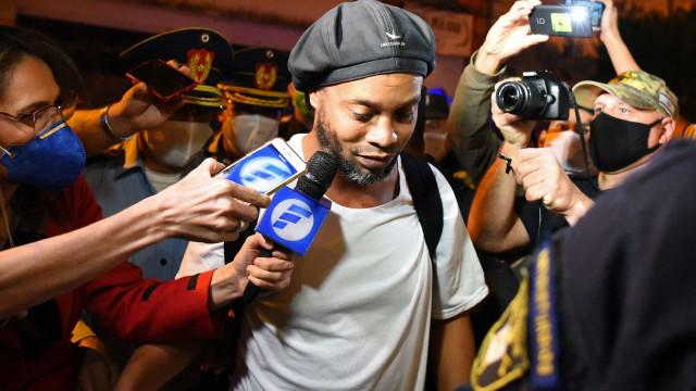 As imagens do hotel de luxo onde Ronaldinho está em prisão domiciliária