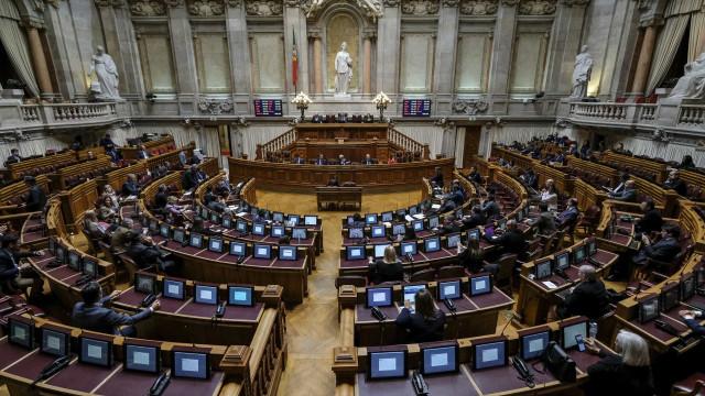 Parlamento aprova 15.º Estado de Emergência. Vai vigorar até 30 de abril