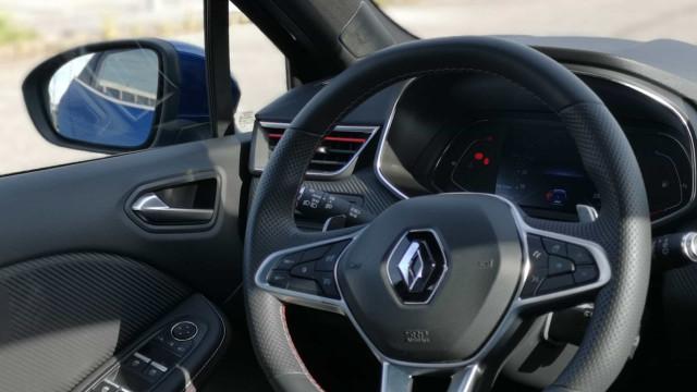 Fabricante automóvel francês Renault suprime 15 mil postos de trabalho