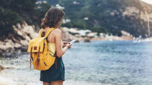 Cinco conselhos para proteger o seu telemóvel durante o verão