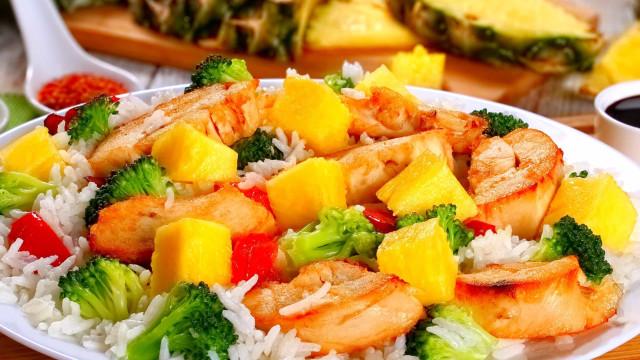 Receitas deliciosas de salgados e doces com ananás