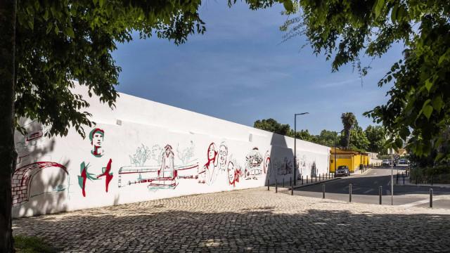 De Nuno Markl a Lobo Antunes. Mural em Benfica imortaliza personalidades