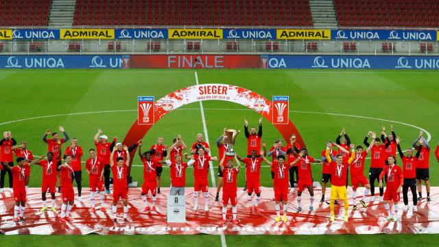 Salzburgo venceu a Taça da Áustria e festejou com distanciamento social