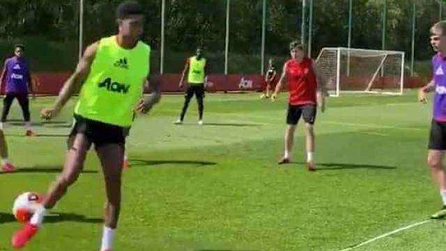 O passe de Rashford que está a deliciar os adeptos do Manchester United