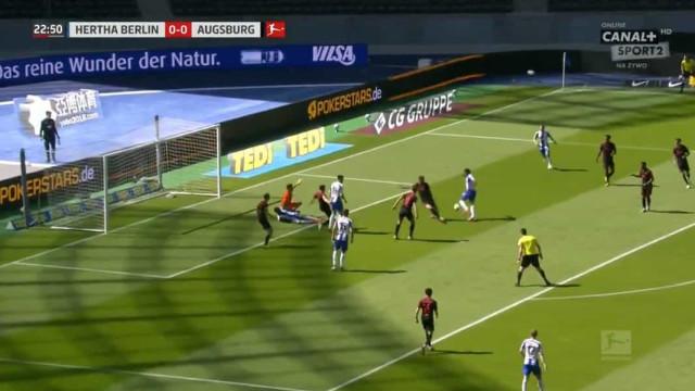 'Magia' à solta na Bundesliga. Um golo imperdível de Dilrosun