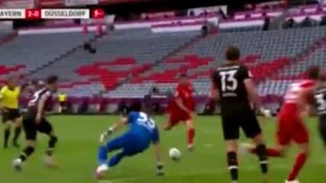 A magistral jogada coletiva do Bayern que Lewandowski não desperdiçou