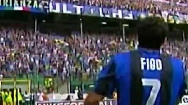 Há 11 anos Figo despedia-se do futebol com os adeptos do Inter a seus pés