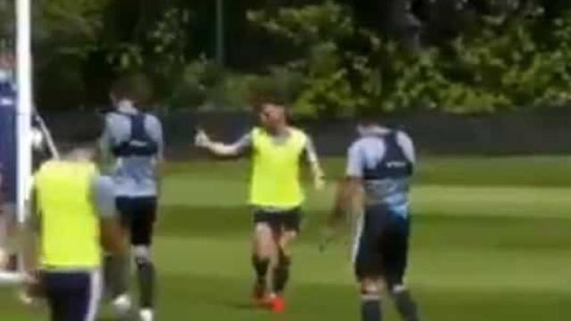 Podence está de pé quente e faz 'estragos' no treino do Wolverhampton