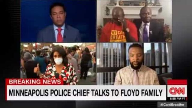 Jornalista em lágrimas com forma como polícia se dirige à família Floyd