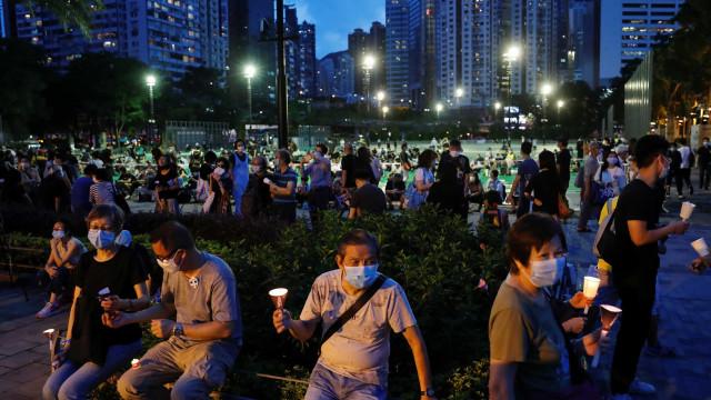 Milhares de pessoas assinalam massacre de Tiananmen em Hong Kong