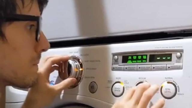 Música de Harry Potter 'tocada' na máquina de lavar? Este jovem consegue