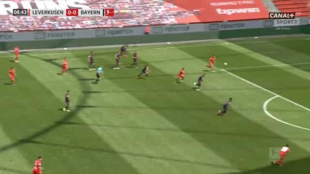 Lucas Alario surpreende Bayern Munique com golo madrugador