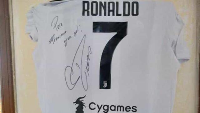 Marcou bicicleta à Ronaldo e foi surpreendido com uma encomenda… de CR7