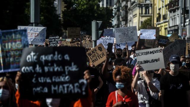 """Marcha contra o racismo encheu ruas porque cá """"também há intolerância"""""""