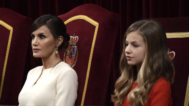 Infanta Leonor arranja namorado. Rainha Letizia já proibiu a relação