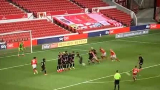 O fantástico golo de Tiago Silva que valeu o triunfo ao Nottingham Forest