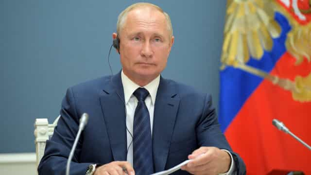 Rússia aprova primeira vacina contra a Covid-19, anuncia Putin