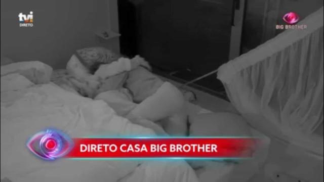 'Big Brother': Ana Catharina e Diogo deixam-se vencer pelo desejo